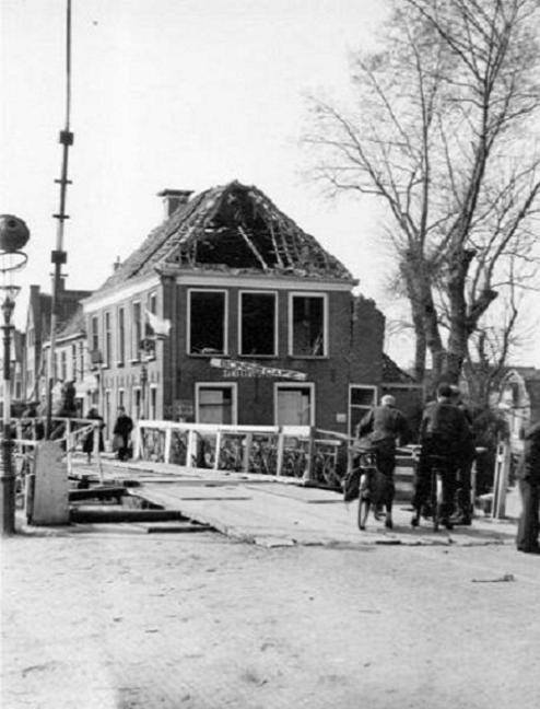 1945-brug-opgelazen-door-Duitsers