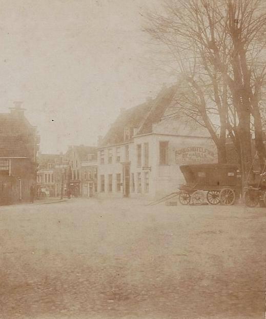 Breedeplaats-met-Hotel-de-Valk-1900