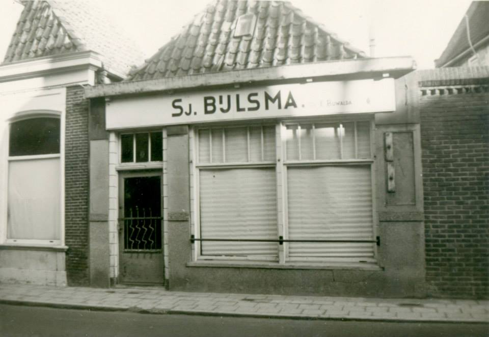 Dijkstraat-naast-fotograaf-vd-Burg